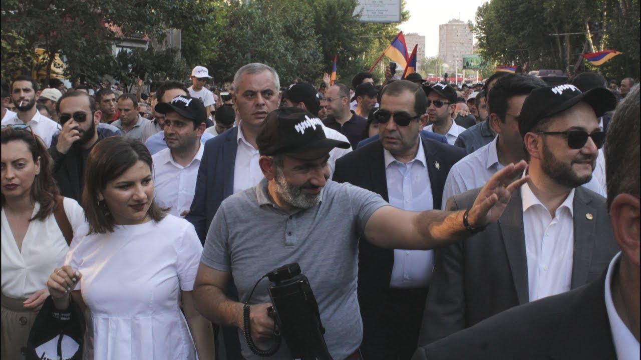 Сто дней Пашиняна: ереванцы не бросили премьера