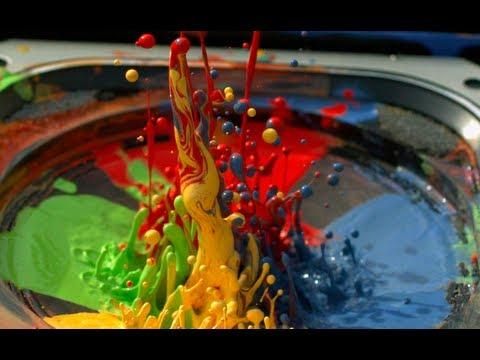 Peinture sur un haut parleur à 2500 images par seconde