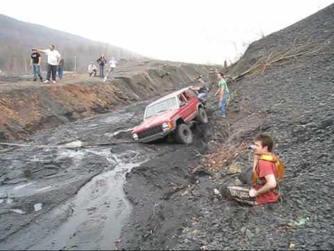 Како не се вади Џип од кал