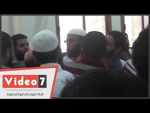بالفيديو..« الإخوان » يحاصرون ياسر برهامى ويحتجزونه فى مسجد غافر بـ« العمرانية »