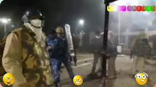 दंगो की ताजा खबर  ...police and protesters clases  #nrc #caa #cab #hyderabadencounter #jagan