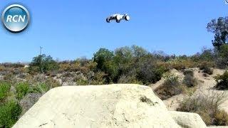 Losi Mini 8ight T - Running/Jumping Video on 3s!