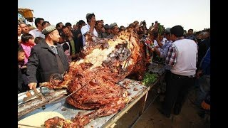 Bữa tiệc chỉ có ở Dubai: Món ăn lớn nhất thế giới, 1 con đủ cho 100 người ăn