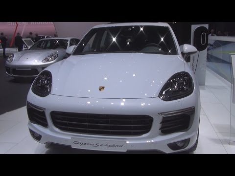 Porsche Cayenne S E-Hybrid (2016) Exterior and Interior in 3D