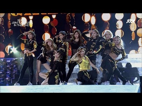 SNSD / Girls' Generation - Tell Me Your Wish. Genie (소원을 말해봐) [Super Joint Concert]