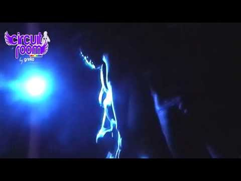 Greko Latinos - Noche de Cortesanas. (Thalia, Selena Gomez, Madonna)