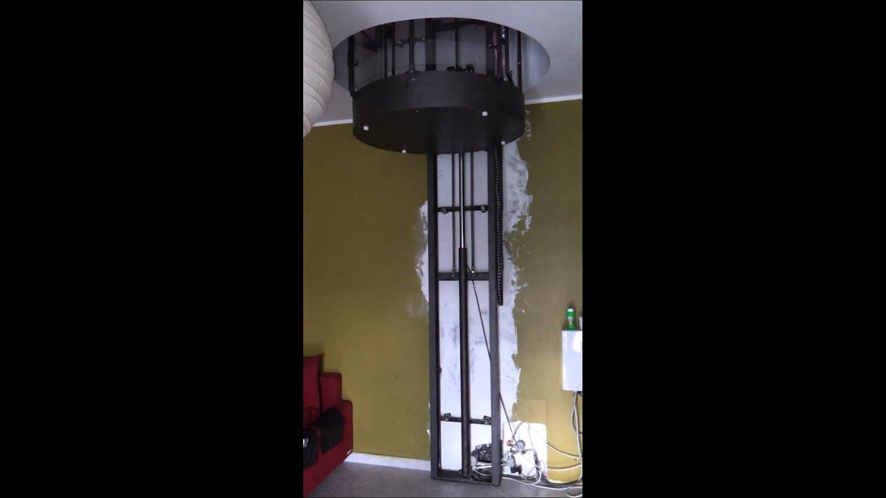 Ascensore pedana elevatrice montacarichi da interno for Montacarichi da balcone per legna