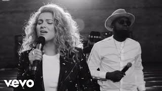 Tori Kelly - Help Us To Love ft. The HamilTones (Live)