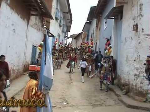 Cuadrilla de Negritos Bailando Pasacalle. 2008. Llata, Huamalíes, Huánuco.
