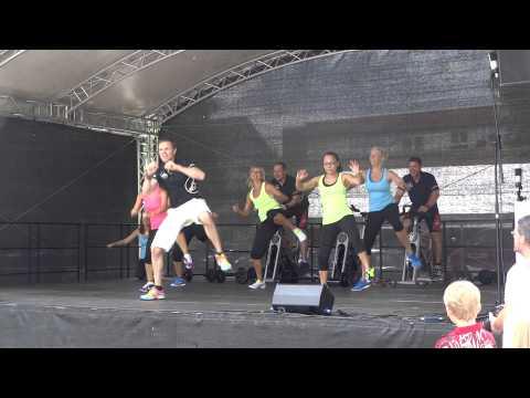 mad-fitness Show-Team Auftritt Mössinger Allerlei 07.07.2013