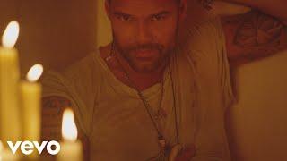Ricky Martin - Fiebre ft. Wisin, Yandel (Official Music Video)