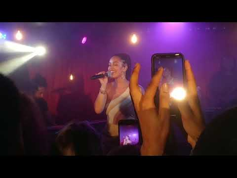 Jorja Smith - Teenage Fantasy (18.04.28)