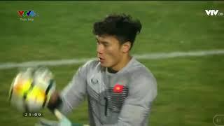 Bùi Tiến Dũng cản phá thành công trong loạt penalty.