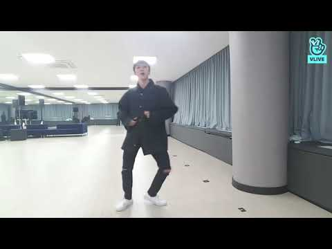NCT Taeyong & Ten dancing to Chris Brown