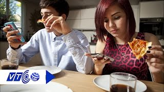 Cưới 2 tiếng đòi ly dị cô dâu 'nghiện online' | VTC