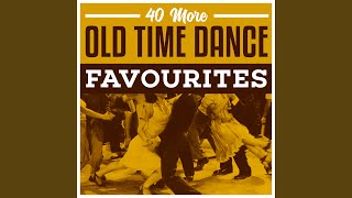 Schottische Gay Gordons Medley: Roamin' In The Gloamin' / Waltzing Matilda / You Made Me Love...