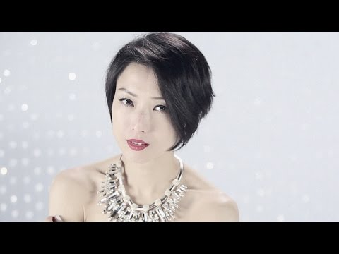 鄭秀文 Sammi Cheng - 總有一個人 MV [Official] [官方]