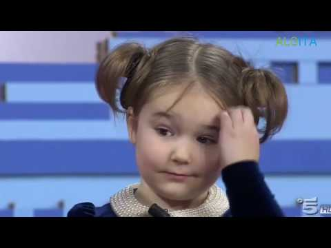 روسية 4 سنوات تتكلم 7 لغات و لغتها المفضلة العربية