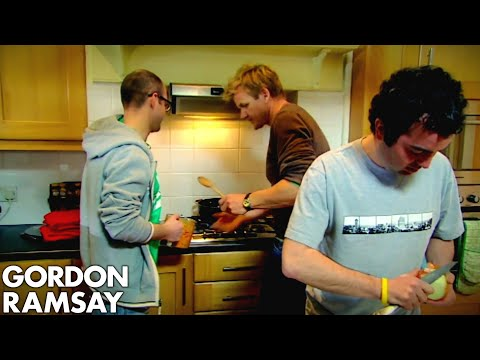 Teaching Lazy Bachelors How To Cook A Basic Curry - Gordon Ramsay
