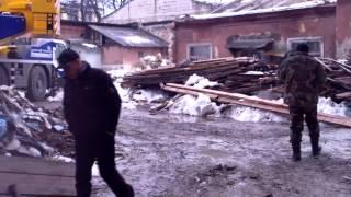 Agresat de un muncitor ilegal pe un șantier periculos
