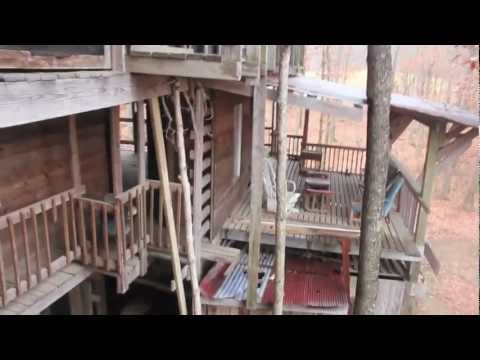 Worlds Largest Treehouse - ABANDONED - The Ministers Chapel - Smashpipe Entertainment