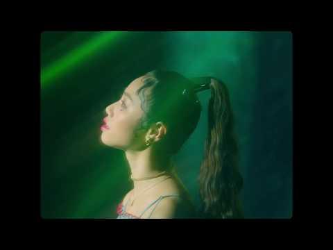 RIRI, KEIJU, 小袋成彬 『Summertime』Music Video
