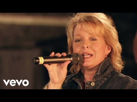 Bill & Gloria Gaither - Eastern Gate [Live] ft. Sheri Easter
