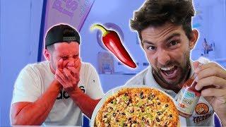 🤬 ¿Como REACCIONARIAS si tu AMIGO te hace esto? La PIZZA mas PICANTE de mi vida!