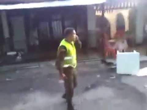 [Videoaficionado]Un policía disparó contra personas en Florencia Caquetá