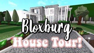MY FIRST ROBLOX VIDEO! BLOXBURG HOUSE TOUR