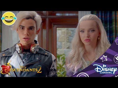 Descendants 2 | Betoverde Dude | Disney Channel BE
