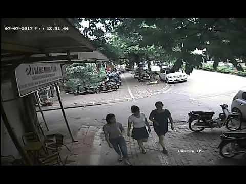 Camera giám sát vụ việc người dân bức xúc với hành vi của PCT quận Thanh Xuân