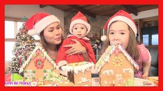 """Trò Chơi """" Thi Đập 2 Ngôi Nhà Bánh Kẹo Noel"""" Bé Peanut / Ăn Thử 2 Ngôi Nhà Bánh Kẹo Christmas"""