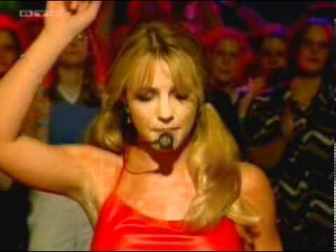 Britney Spears - Baby one more time (Live @ Top of the Pops 1999)