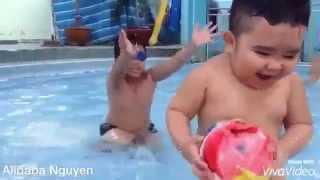 Ku Tin Mặc Đồ Bikini Đi Bơi Nè