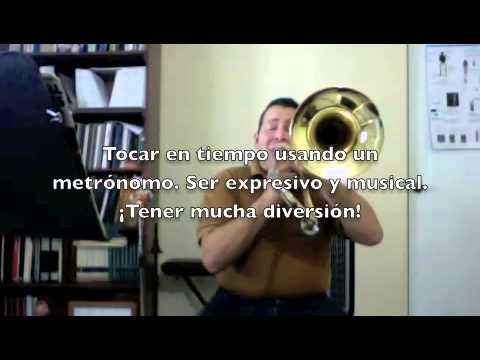 Estudiando música de diferentes maneras con mi trombón.