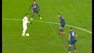 Neymar Just Loves to Make Defenders Look Stupid