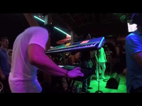 Tropicrew Houston -La cacata