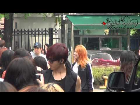 [Fancam] 120713 Yesung on the way to KBS building