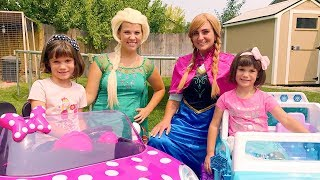 Frozen Elsa races Anna in the Minnie Mouse POWER WHEELS car!