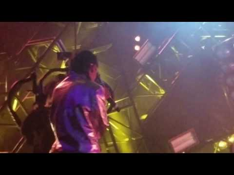 070 Shake - Honey  (live)