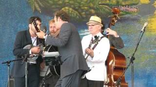 "Steve Martin playing ""Orange Blossom Special"" and ""King Tut"" at Jazz Fest 2010"
