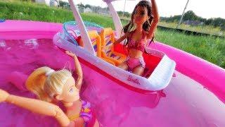 Wakacje Barbie ☀ Barbie topi się w basenie ??!! ☀ Wypadek ☀ Bajka po polsku z lalkami odc.6