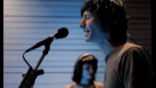 """Gotye performing """"Somebody That I Used To Know"""" Live on KCRW"""
