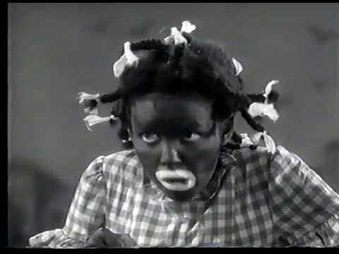 "Judy Garland in blackface in ""Everybody Sing"" (1938)"