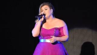 Kelly Clarkson- Piece By Piece (Radio City Music Hall) 7/17/15