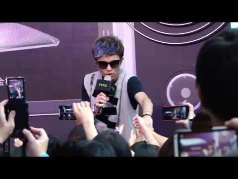 小宇-  過渡期  (HTC夏日音樂會) 20130720