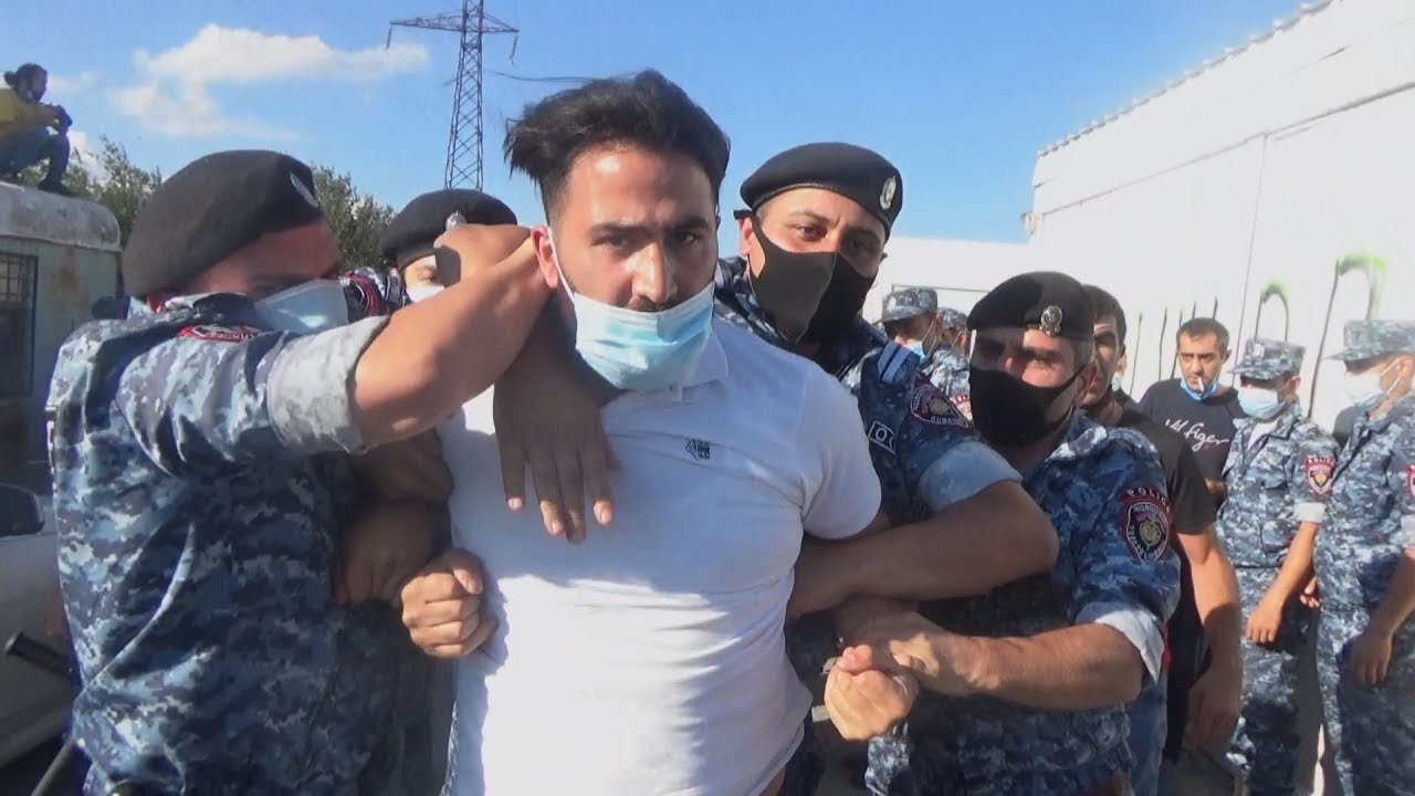 Армения: жесткие задержания защитников Амулсара