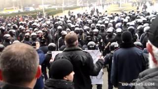 VIOLENŢE în Odesa. Susţinătorii Euromaidanului atacaţi de mascaţi