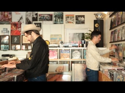 Record Hunting With The Vaccines | Poncho